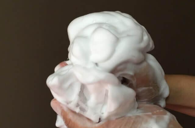 洗顔石鹸の泡